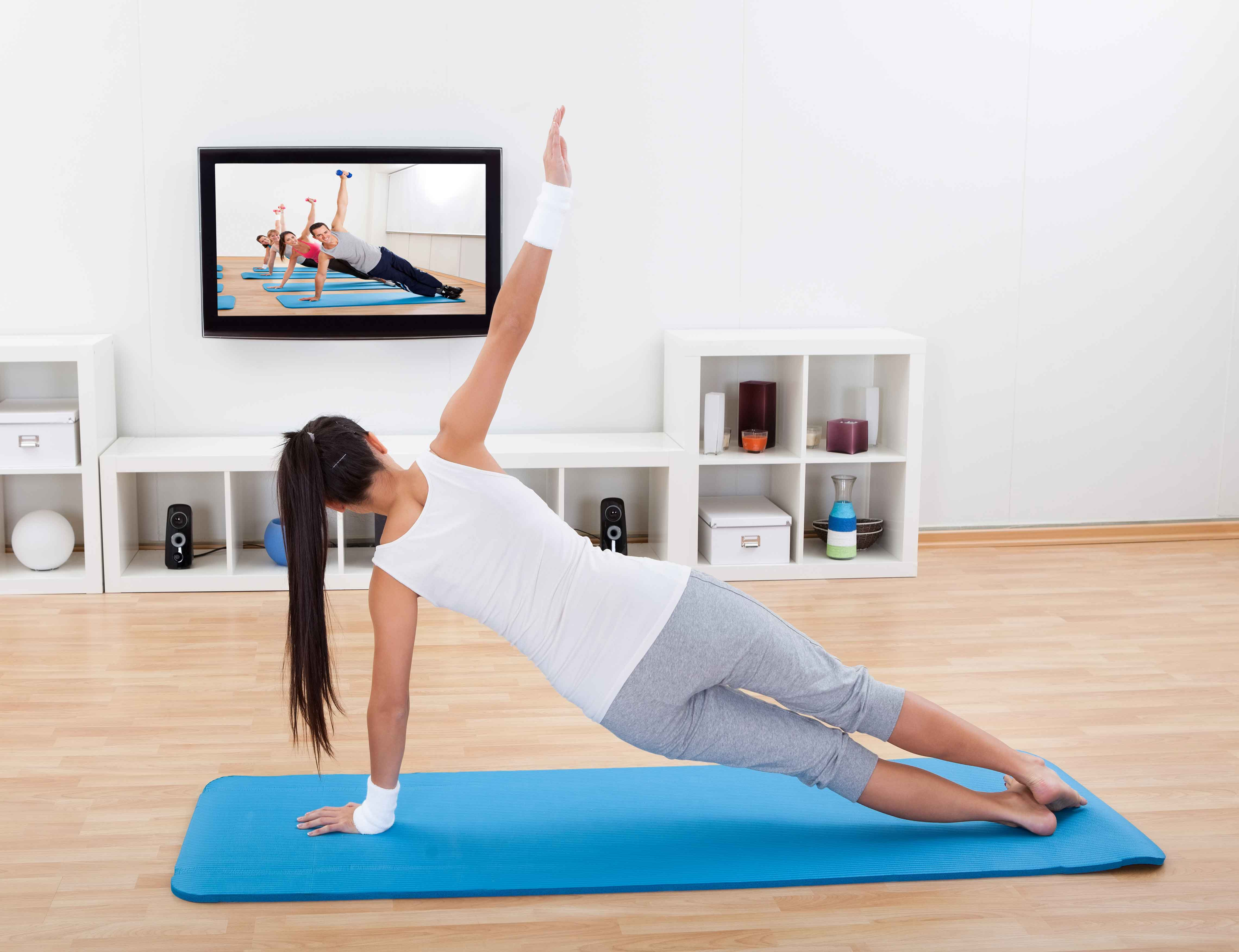 HOW THE FITNESS TRAINER HELP YOU IN VARIOUS SITUATION
